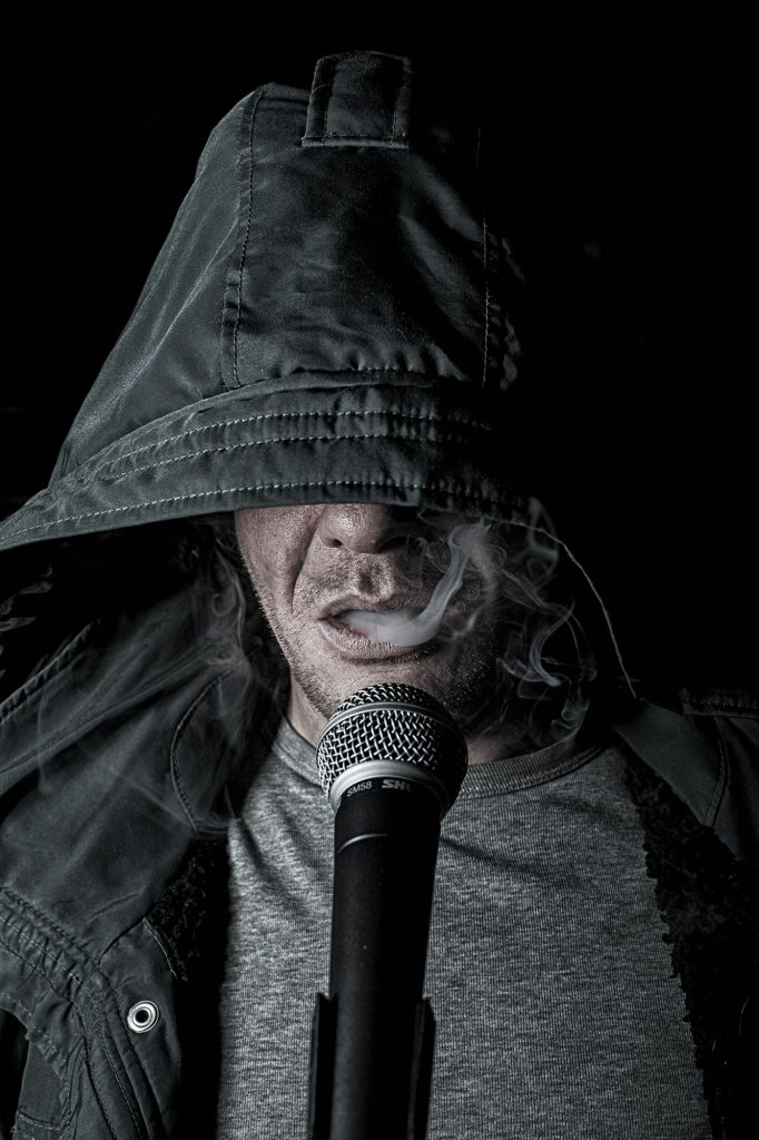 Portrait of a serial singer - Nightpost